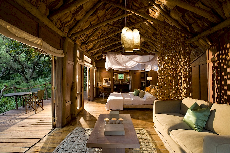 LUXE REIZEN  - TRAVEL IN LUXURY - LUXURY IS TRAVELLING  TANZANIA_LUXE SAFARIS TANZANIA**TREASURES OF TANZANIA, LAKE MANYARA TREE LODGE