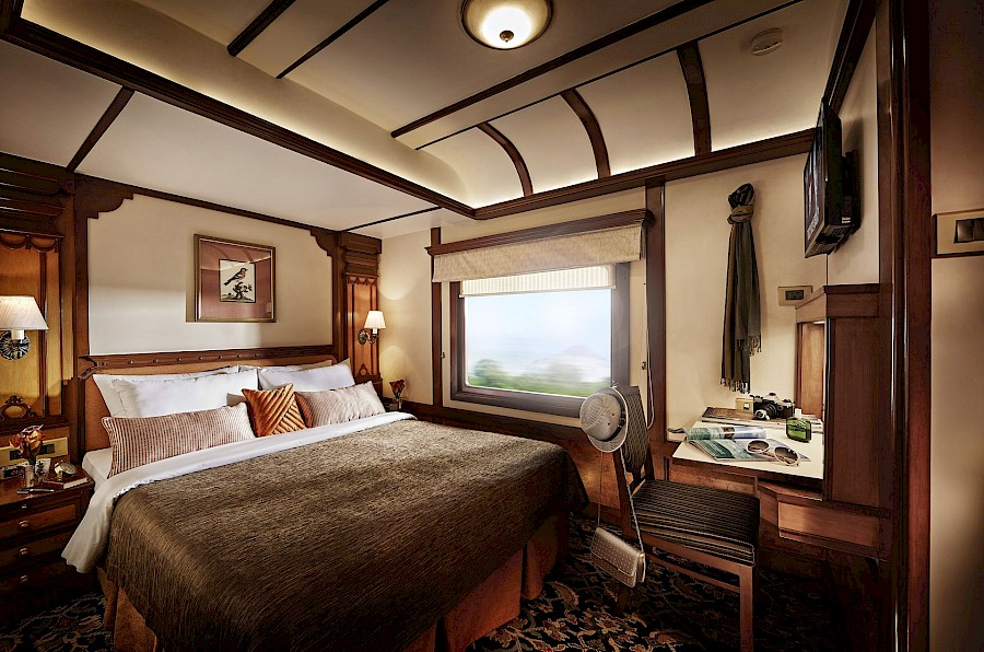 LUXE REIZEN  - TRAVEL IN LUXURY - LUXURY IS TRAVELLING_LUXURY ON WHEELS**DECCAN ODYSSEY, INDIA